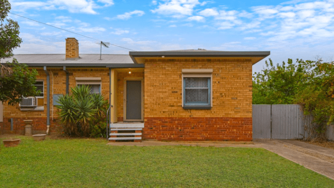 Elizabeth East, SA home sold by mortgagee for 10% loss after 10 years