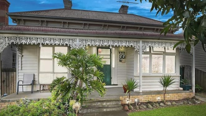 Bargain property in Central Geelong? Sale price dips after one year