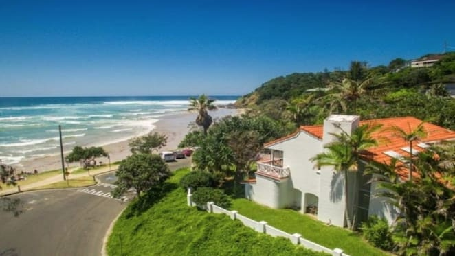 Low price growth for record setting Wategos, Byron Bay trophy home