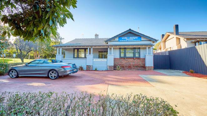 Hawthorn East dental clinic set for auction