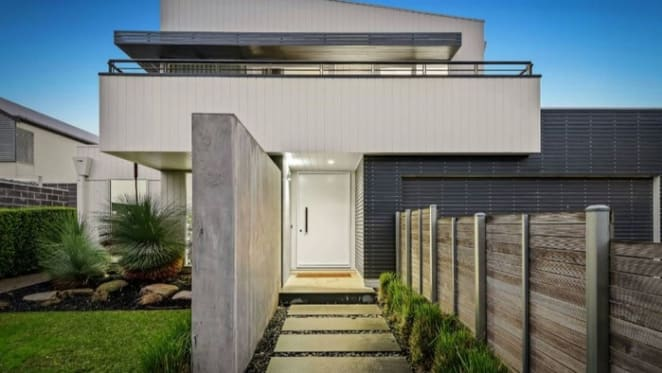 Hampton trophy home sells above reserve at weekend auction