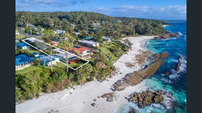 Billionaire Graham Tuckwell buys record Hyams Beach home