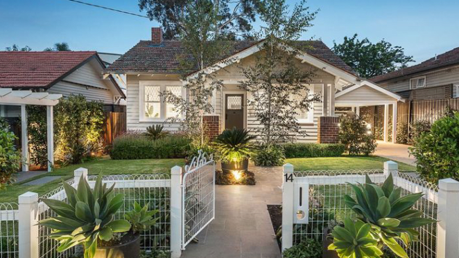 Not much price growth in Dea and Darren Jolly's former Kew East bungalow resale