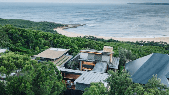 Spectacular clifftop Jorge Hrdina-designed Killcare Heights home sold