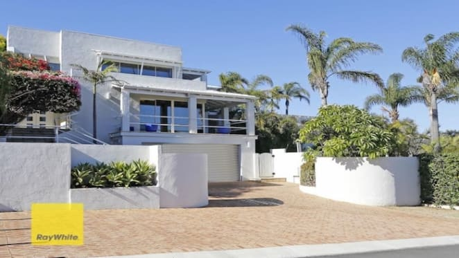 Half price $1,050,000 Kallaroo, WA house sold by mortgagee