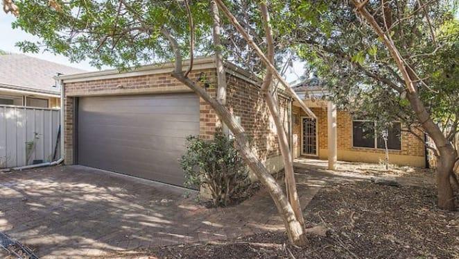 Koongamia three bedroom brick house for mortgagee sale