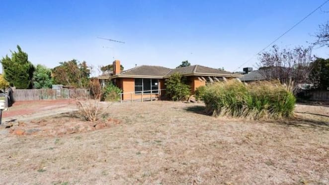 Lara three bedroom house listed by mortgagee