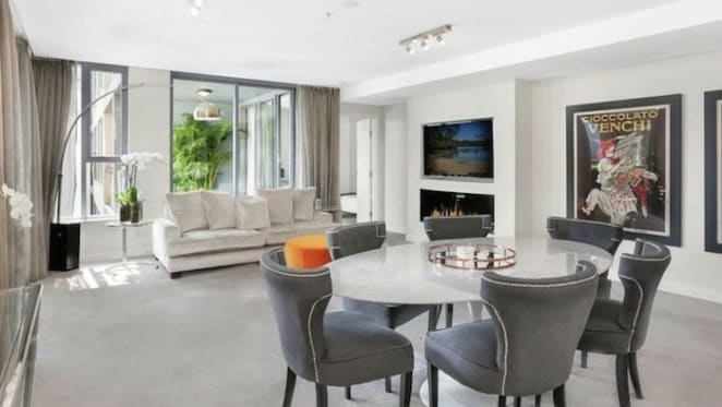 Outgoing governor-general Sir Peter Cosgrove buys in Milsons Point