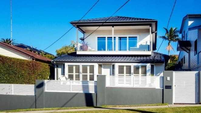 Swans coach, John Longmire sells his Malabar home after a single inspection
