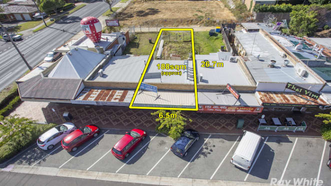 Mt Waverley retail property sells above reserve at 2 percent yield