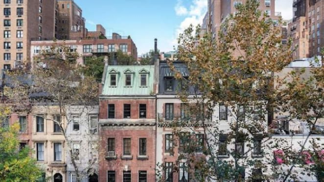 New York stops estate agents showing homes to buyers and renters