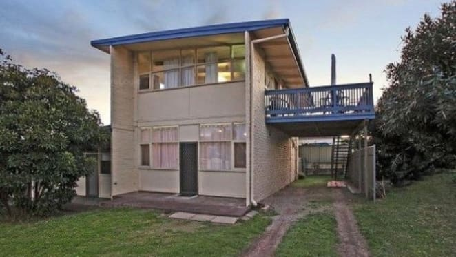 Noarlunga, SA mortgagee unit sells for around 2012 price