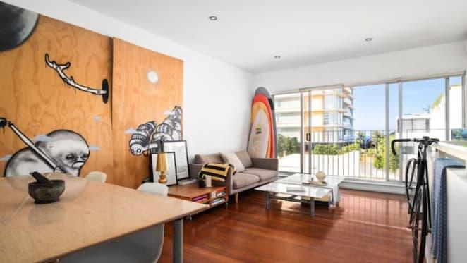 Osher Gunsberg sells at Bondi Beach