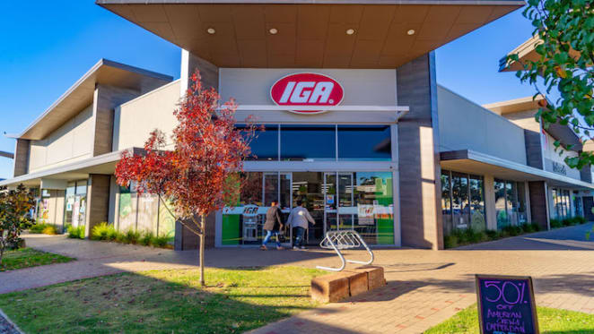 Byford Lakeside Plaza in Perth hits the market