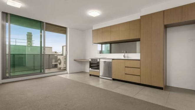Prahran mortgagee apartment sold for $150,000 loss
