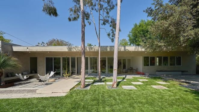 Actress Rachel Griffiths gets offer on longtime Los Angeles home