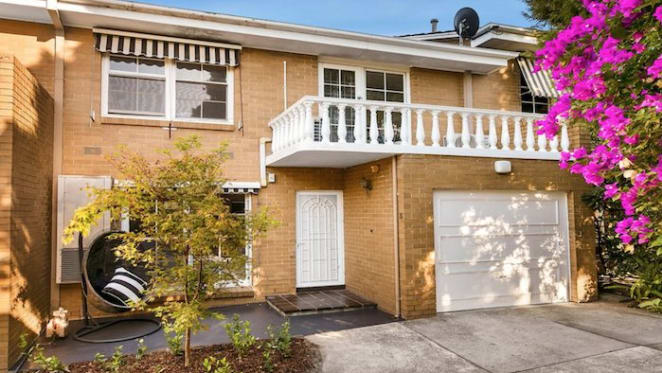 Jarrad Waite's Strathmore listing attracts no bids despite price decline indications
