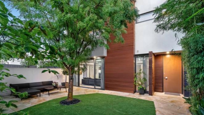 Award-winning Kew residence listed