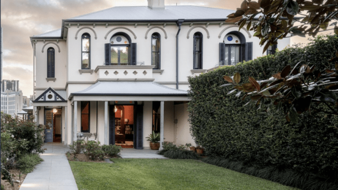 Silverwells, heritage property in Kangaroo Point listed