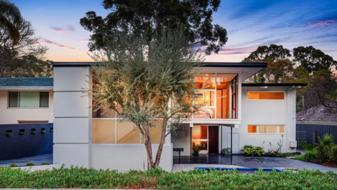 Floreat trophy home designed by Raymond Jones listed