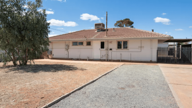 South Kalgoorlie mortgagee home listed for minor loss