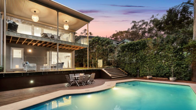 October long weekend sees subdued auction listings