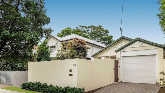 Swimmer Emily Seebohm sells Hendra investment