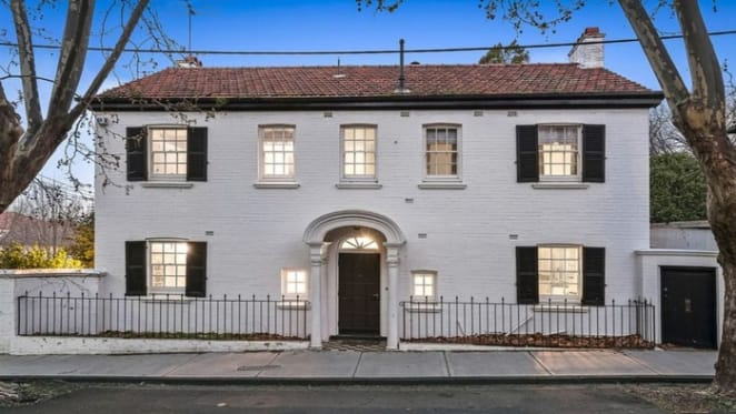 Georgian style South Yarra trophy home successfully sold at auction