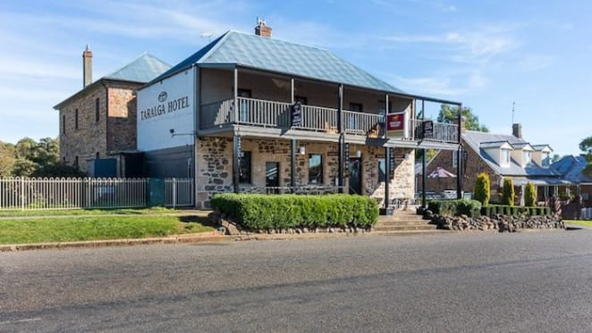 Historic Goulburn district Taralga Hotel up for auction
