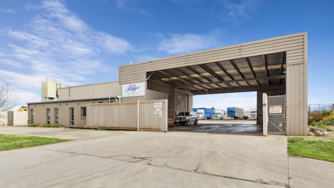 Warehouse for airport parking leased for $85,000 a year