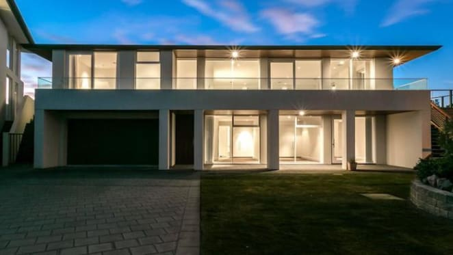 $1 million Victor Harbor home offering by mortgagees