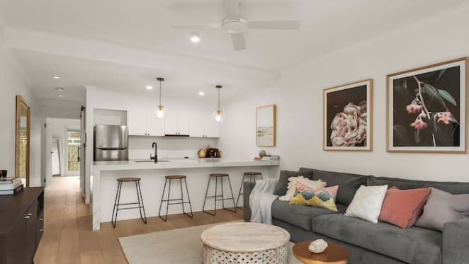 Olympia Valance lists one bedroom Southbank apartment