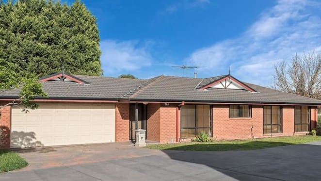 Wantirna South two bedroom unit listed by mortgagee