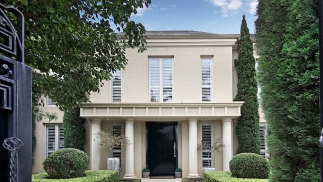 Shane Warne's Brighton trophy home passed in at weekend auction