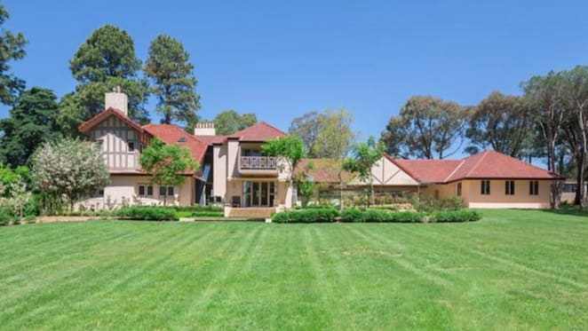 Westridge House, one of Canberra's oldest homes, hits the market