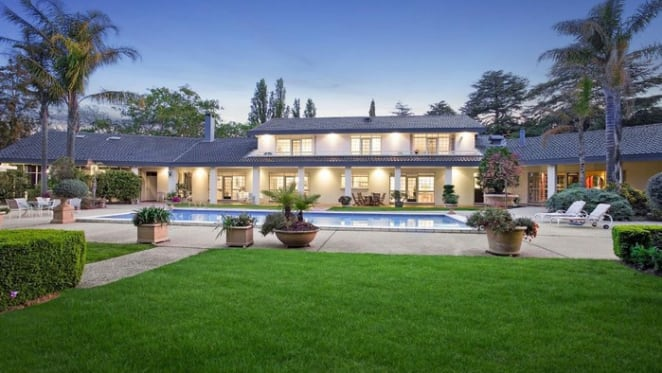 Red Hill trophy home sale breaks decade long Canberra record