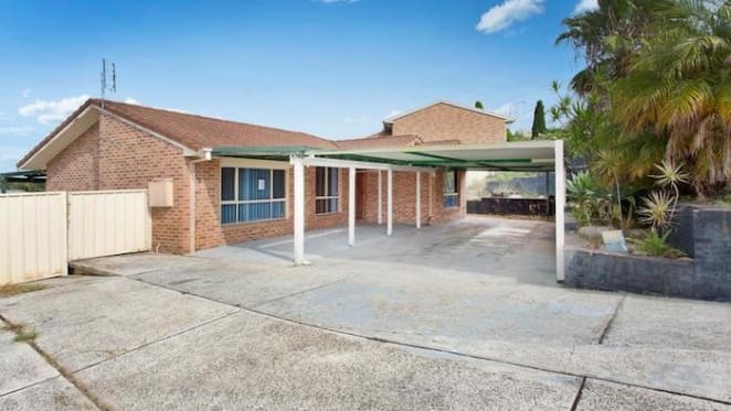 Albion Park house sold for $442,500