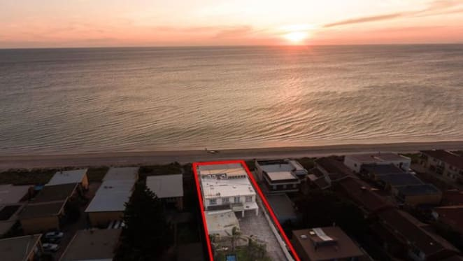 Aspendale beachfront trophy home sells