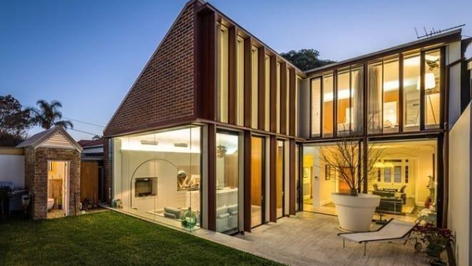 Backyard Balmain dunny fails to yield Federation home buyer