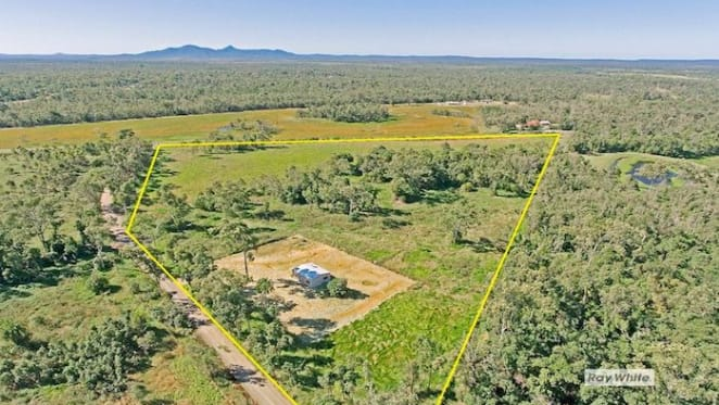 Byfield hobby farm sold by loss taking mortgagee for $150,000