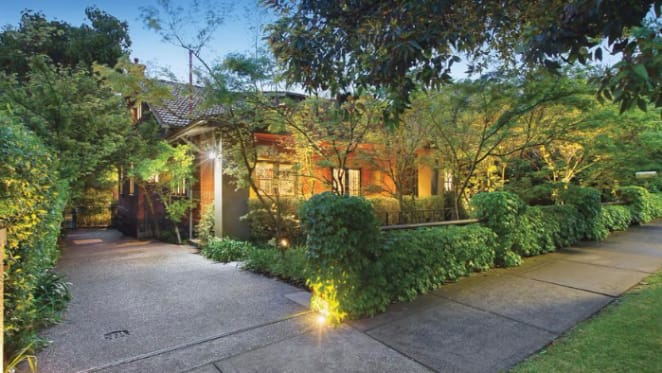 Rick Eckersley gardens in Kew home set for auction