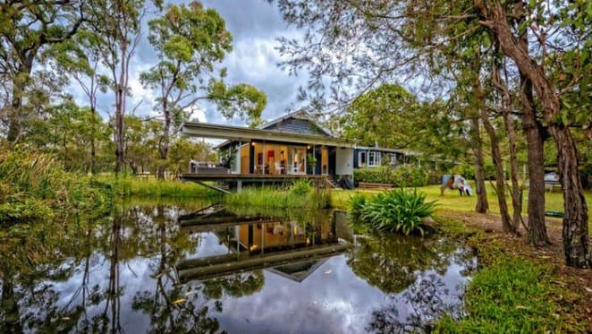Brisbane architect's 1950s bush cottage transformation