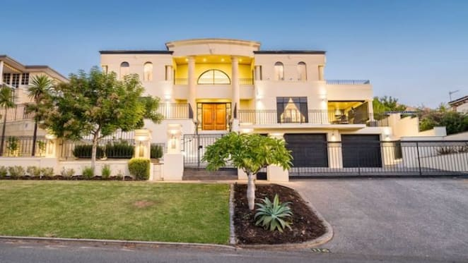 Former Socceroo star Stan Lazaridis lists Perth home