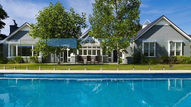 Michael Clarke drops asking price to $5 million for Round Hill