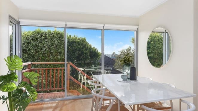 Coogee apartment sells for $1,421,000 at auction