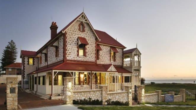 Chinese inspect Tukurua, the iconic $50 million Cottesloe trophy mansion