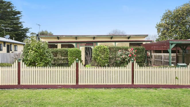 Cowes tops list of Victoria's top spots for 'distressed' unit offerings