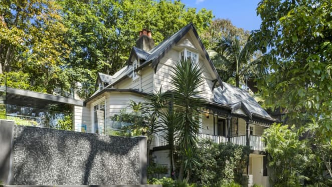 Unconventional Darling Point trophy home bought by former Malcolm Turnbull adviser