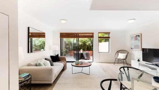 Mike Willesee offloads Darlinghurst investment