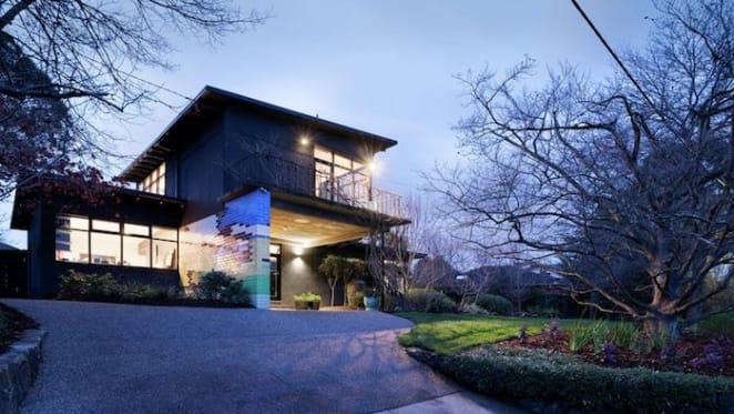 Californian modern 1940s Eaglemont home sold